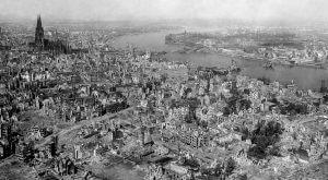 Luftbild Köln (1945)