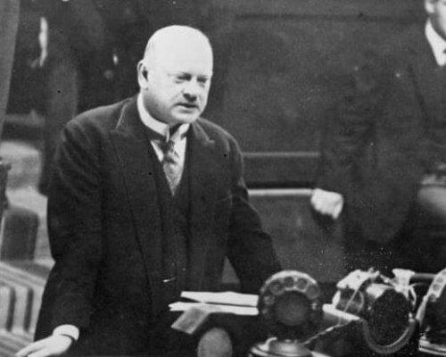 Außenminister Gustav Stresemann integrierte Deutschland wieder in den Kreis der europäischen Staatenwelt und setzte auf Verträge