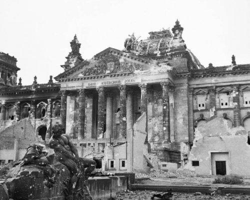 Berlin Reichstag 1945