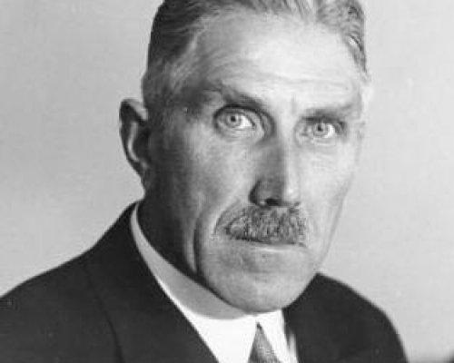 Reichskanzler Franz von Papen verhandelte 1932/33 mit Hitler über eine gemeinsame Regierungskoalition zwischen NSDAP und DNVP