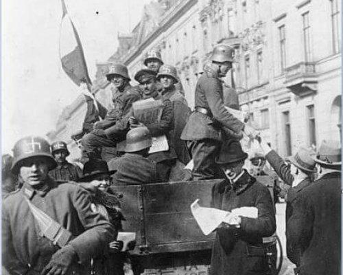 In den Krisenjahren 1919-1923 war die junge Weimarer Republik durch links- und rechtsextreme Putschversuche bedroht