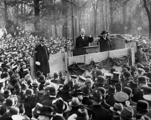 Ausrufung der Republik durch Karl Liebknecht 1918