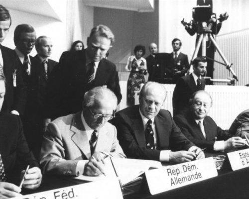 KSZE-Schlussakte von Helsinki 1975, Unterzeichnung