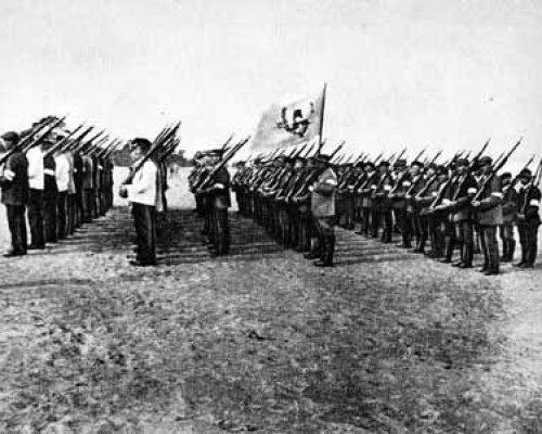 Bürgerkrieg in Russland zwischen der Weißen und Roten Armee