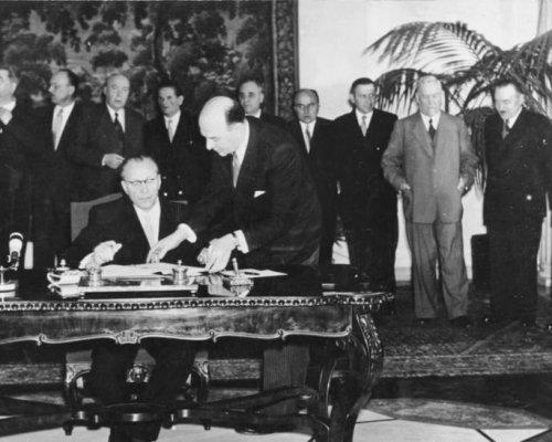 Warschauer Pakt, Unterzeichnung der DDR 1955