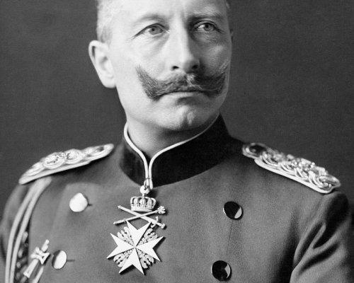 """Der deutsche Kaiser Wilhelm II. sprach von einem """"Präventivkrieg"""" und begeisterte die Menschenmassen für den Weltkrieg"""